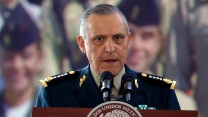 EE.UU. acusa de cinco cargos de narcotráfico a exministro mexicano de Defensa