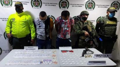 Dos detenidos en Ciénaga durante allanamiento del Gaula y la Sijín