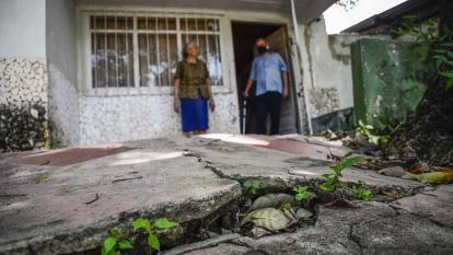 Terraza de una de las casas más afectadas por los deslizamientos en este sector de la ciudad.