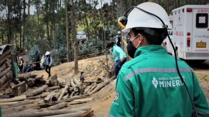 Rescatan a tres mineros que estuvieron atrapados en mina de Tuta en Boyacá