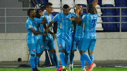 El Unión goleó al Barranquilla y se atornilla al liderato de la 'B'
