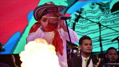 La música de carnaval también tiene su lugar en el festival.