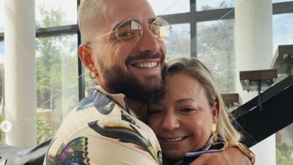 El emotivo reencuentro entre Maluma y su madre después de 5 meses