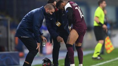 PSG venció 2-0 al Basaksehir, pero perdió a Neymar por lesión