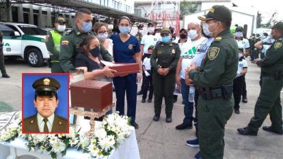 Policía rinde homenaje a patrullero que falleció por Covid-19 en Sucre