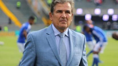 """Jorge Luis Pinto dice que dirigir a Colombia """"sería un honor"""""""