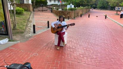 Adultos mayores cantaron en la noche del Festi Talento