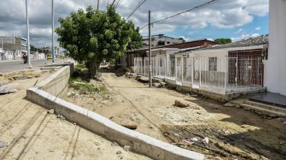 Esta es la vía del barrio La Sierrita que se encuentra en mal estado debido a las obras de la Cordialidad.