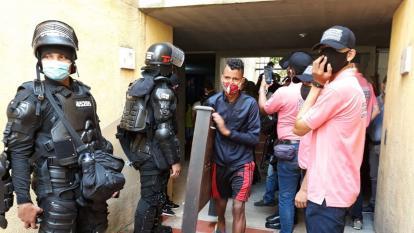 La fuerza pública acompañó el procedimiento de desalojo, que transcurrió en calma.
