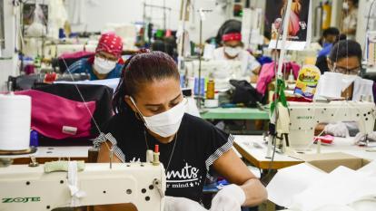 ¿Qué está detrás de la reducción de la jornada laboral del uribismo?