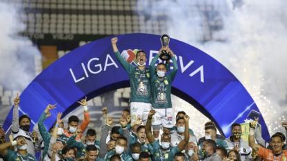 Los jugadores del León celebrando el título de campeón del fútbol mexicano.