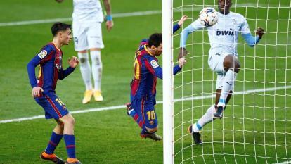Messi iguala el récord histórico de Pelé de goles con un mismo club