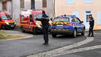Hombre mata a tres policías que atendían un caso de violencia en Francia