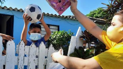 Alcaldía de Galapa entrega más de 20 mil regalos para los niños en Navidad