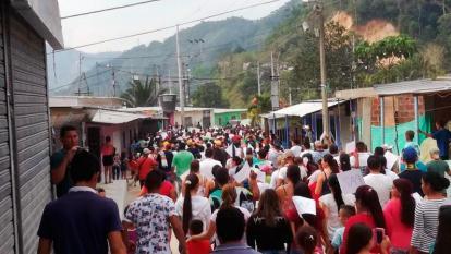 Campesinos denuncian enfrentamientos en la convulsa región del Catatumbo