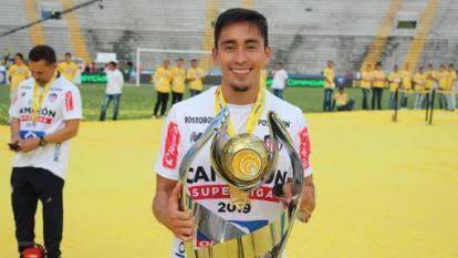 Fabián Sambueza también se coronó campeón de la Superliga con Junior.