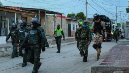 La Policía y el Ejército realizan operativos de vigilancia en los barrios.