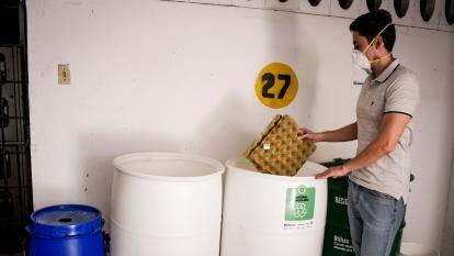 Blanco, negro y verde: los nuevos colores para separar residuos