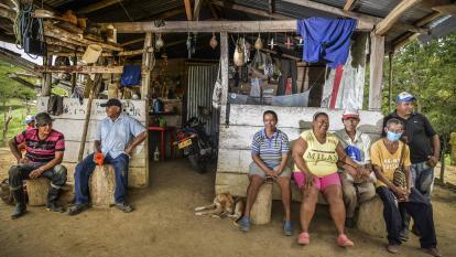 Residentes de la vereda Caño Negro (El Carmen de Bolívar) que fueron desplazados y retornaron.