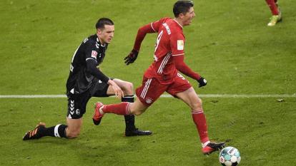 El Bayern vence por 2-1 al Friburgo.