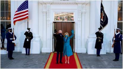 El presidente de Estados Unidos, Joe Biden, y la primera dama Jill en la Casa Blanca.