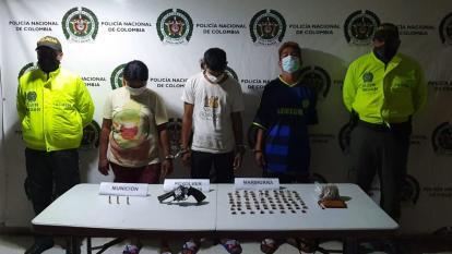 Cayeron con arma y droga durante allanamiento en Ciénaga, Magdalena