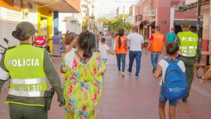 A custodia del ICBF siete niños utilizados en la mendicidad