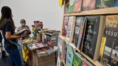 Con feria, libreros del Centro buscan reactivar sus ingresos