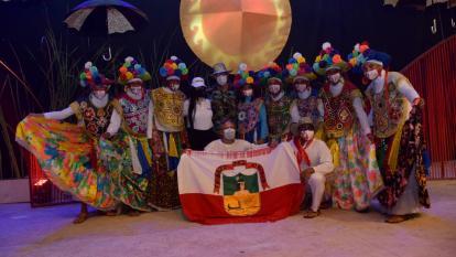 La danza de las Farotas participa en 'Señera'.