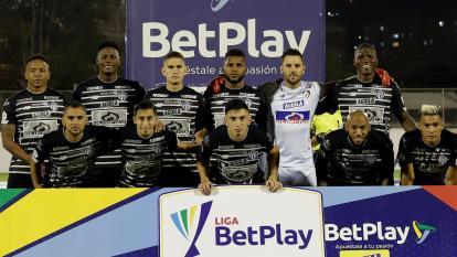 El onceno titular de Junior que empató 2-2 frente a  Envigado FC el pasado sábado.