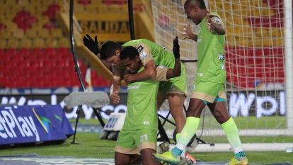 El venezolano José David Barragán celebrando el segundo gol de Jaguares.