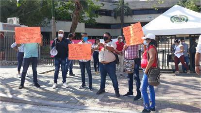 Subcontratistas de Las Tablitas protestaron en la Gobernación de Sucre