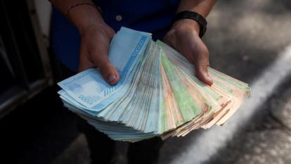 En Venezuela, un millón de bolívares para una barra de pan