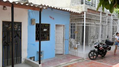 Familia lleva más de 20 horas con un cadáver en su casa en Soledad