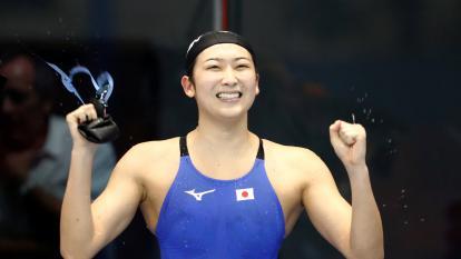 Nadadora que superó la leucemia, se clasifica a los Juegos Olímpicos de Tokio
