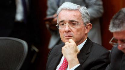 Caso Uribe: Esposa de testigo pide ser reconocida como víctima
