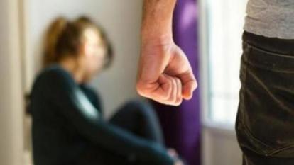 Tribunal de Bogotá falla a favor de hombre que golpeó a su pareja por revisarle el celular