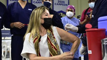 Barranquilla comenzó vacunación de los mayores de 65 años