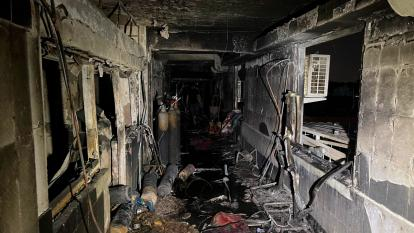 Irak investiga causas del incendio que dejó 82 muertos en hospital de covid