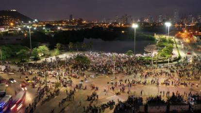 Cartagena realiza Velatón para pedir que cese violencia