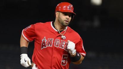 Alberto Pujols en asignación por Los Ángeles Angels