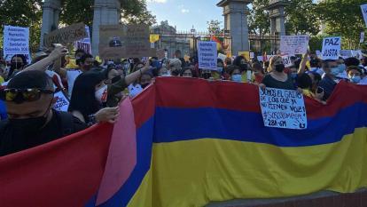 Colombianos protestan en Madrid contra el gobierno de Duque