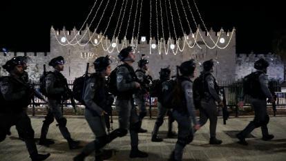 Viernes de choque violento entre israelíes y palestinos