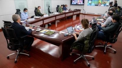 Duque da instrucciones a sus ministros para restaurar la seguridad en Cali