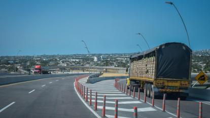 Se reduce transporte de carga en terminales portuarios por bloqueos