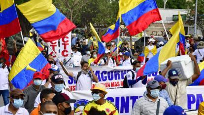 Maestros marcharon en Barranquilla el 12 de mayo