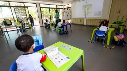 Alumnos de preescolar volverán a las aulas de clase desde el martes