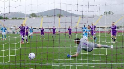 Nápoles vence a Fiorentina y desplaza a Juventus de puestos de Champions