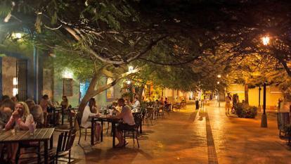 Gremios del turismo samario respaldan extender toque de queda
