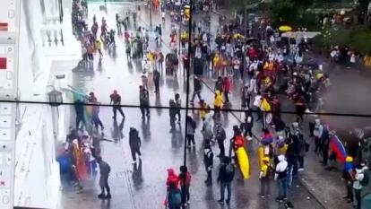 Encapuchados intentan quemar instalaciones de la Alcaldía de Popayán